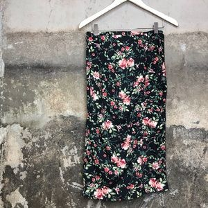 Pleione ruched gathered side black floral skirt